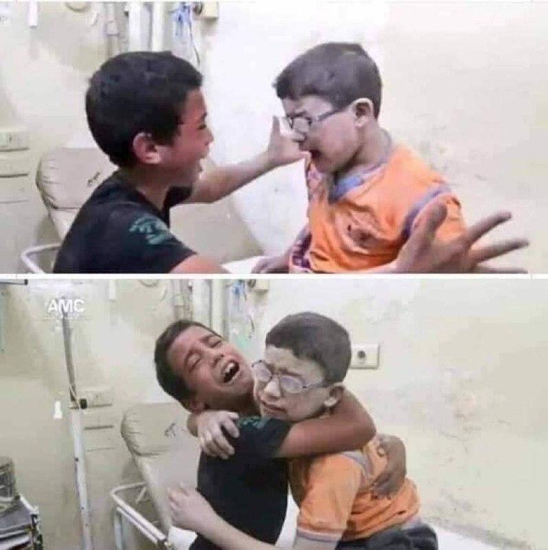 عکس/ شادی پسر فلسطینی از زنده بودن برادرش پس از بمباران صهیونیست ها