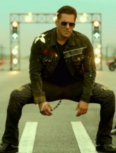 سلمان خان در موزیک ویدیو زوم زوم از �یلم رادهه