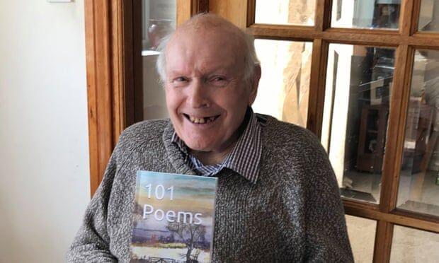 پدربزرگ ۹۲ ساله، در جمع شاعران پرفروش