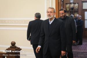 احتمال حضور لاریجانی در انتخابات افزایش یافت