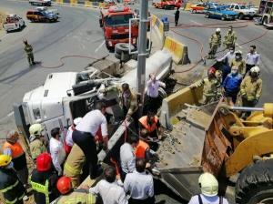 واژگونی تانکر 6 هزار لیتری گازوئیل در تهران