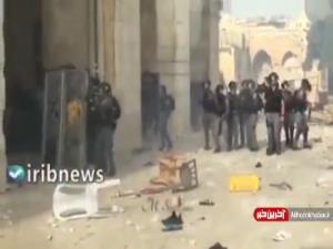 عقب نشینی نظامیان اسرائیلی در برابر پرتاب سنگ جوانان فلسطینی