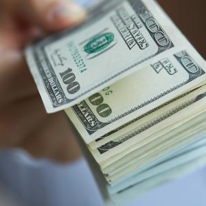 نرخ خرید دلار برای وارد کنندگان