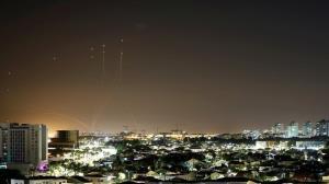 دور سوم حملات موشکی به تلآویو؛ شمار کشتههای صهیونیست به ۵ تن رسید