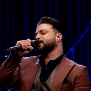 اجرای زنده و دیدنی ترانه «هیچ» از بابک جهانبخش
