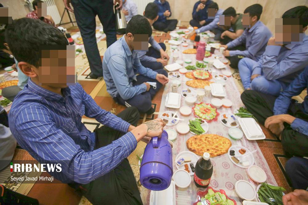 اعتکاف روزهداران نوجوان کانون اصلاح و تربیت استان گلستان