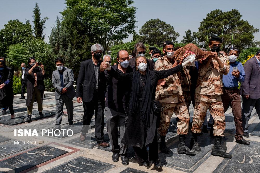 عکس/ مراسم تشییع و خاکسپاری عبدالوهاب شهیدی و مسعود ولدبیگی