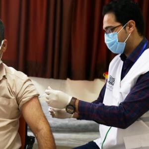 ایرانی ها تاکنون چند دوز واکسن کرونا زده اند؟
