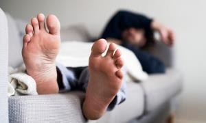 دلایل پادرد پس از بیدار شدن از خواب