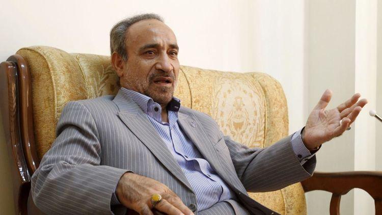 خباز: احمدینژاد در ۸ سال چه گلی به سر این ملت زد؟