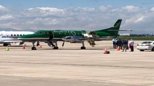 فرود معجزهآسای هواپیمای دو نیم شده در دنور