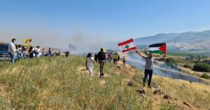 گذر معترضان لبنانی از حصار مرزی لبنان و فلسطین اشغالی