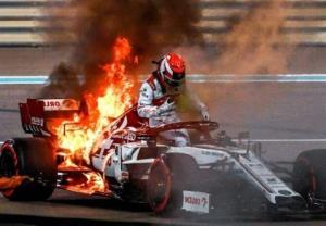 آتش سوزی خودروهای فرمول یک