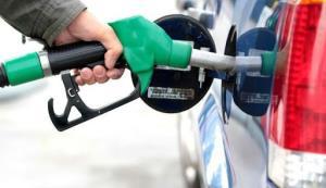 تکذیب چند باره افزایش قیمت بنزین