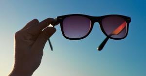 اهمیت عینک آفتابی برای سلامت چشم ها