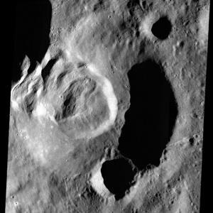 شواهدی از وقوع زلزله در قمر زمین