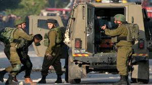 تصاویری از حمله جوان فلسطینی با خودرو به نظامیان صهیونیست در الشیخ جراح
