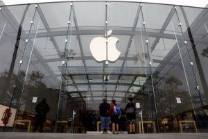 پوشیدن ماسک در فروشگاه های اپل کماکان ادامه خواهد یافت