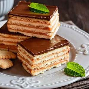 دستور تهیه «کیک یخچالی» ساده و فوری برای مهمانی ها