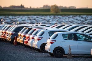 کمبود تراشه ضرر میلیاردی را به صنعت جهانی خودروسازی وارد کرد