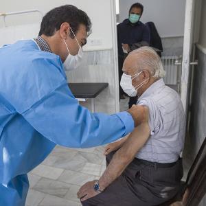 معاون وزیر بهداشت: واکسن کرونا را به تولید انبوه می رسانیم
