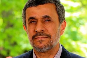 انتقاد تند روزنامه جمهوری اسلامی از احمدینژاد