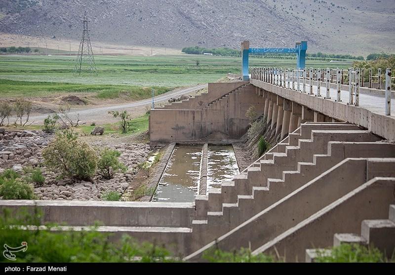 عکس/ کاهش شدید ذخیره آب سد نازلیان در کرمانشاه