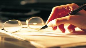 آیا نویسنده از سرِ بیکاری مینویسد؟