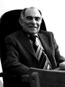دربارهی مقالهی مشهور دکتر محمدرضا باطنی: «اجازه بدهید غلط بنویسیم»
