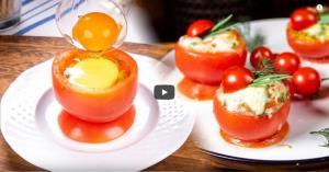 گوجه تنوری با پنیر پیتزا و تخم مرغ