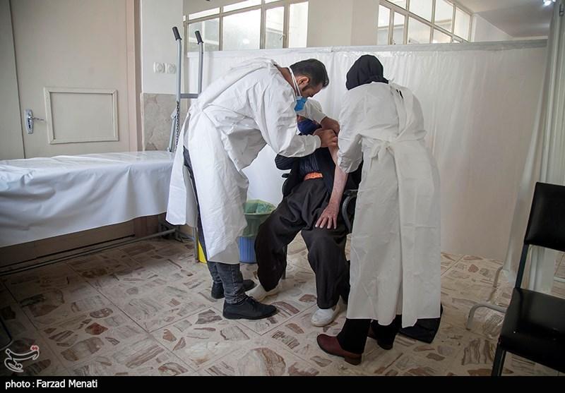۷۰۰۰ پرسنل درمان قم واکسینه شدند