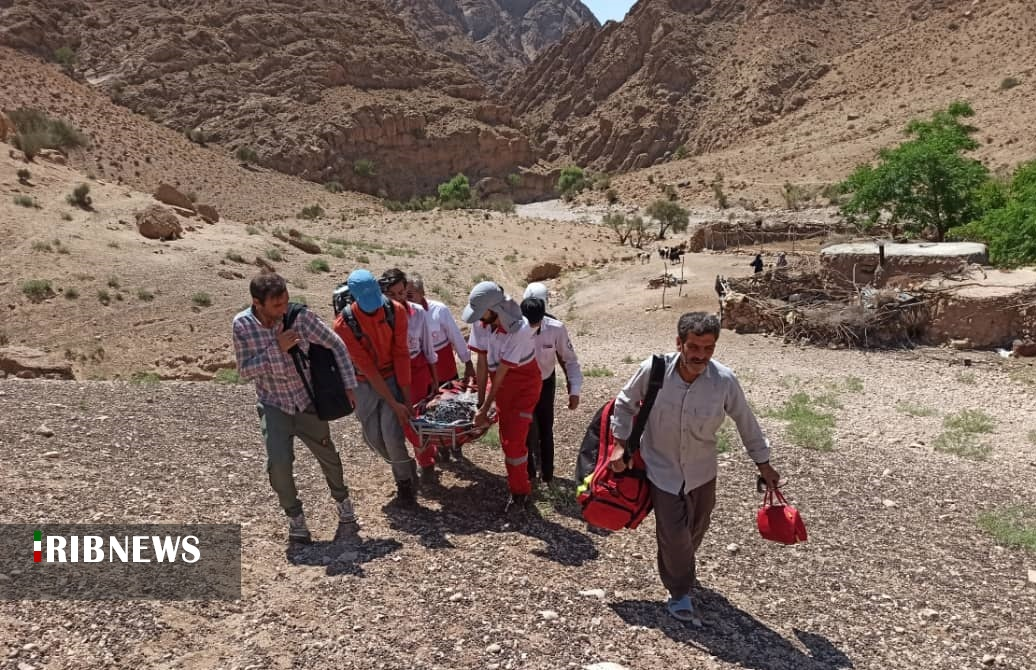 نجات زن گرفتار در ارتفاعات روستای خرو طبس