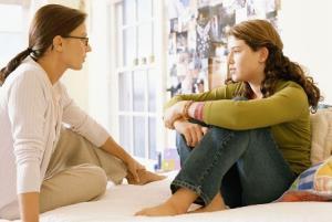 6 توصیه به مادرها برای صمیمیشدن با فرزند نوجوان
