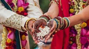 ازدواج همزمان مرد هندی با دو خواهر!
