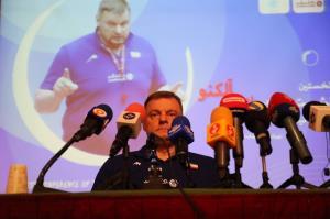 آلکنو: مربی که قول مدال میدهد شارلاتان است