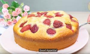 صفر تا صد تهیه کیک توت فرنگی ساده و لذیذ