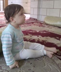 جیگر عموش در حال تماشای برنامه کودک