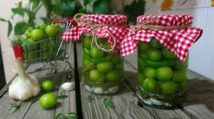ترشی «گوجه سبز» راحت ترین و خوشمزه ترین ترشی دنیا