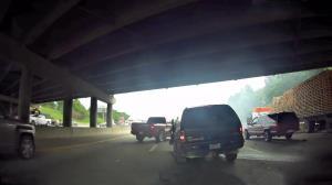تصادف خودروی شاسی بلند با تریلی ۱۸ چرخ