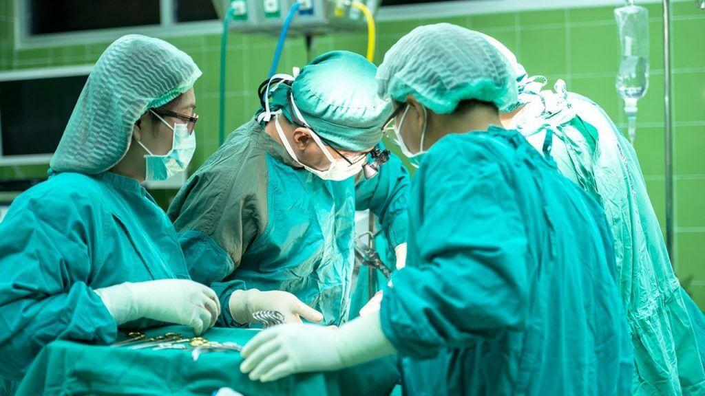 جراحی رفع گرفتگی ۱۰۰ درصد رگ برای اولینبار در جهرم انجام شد