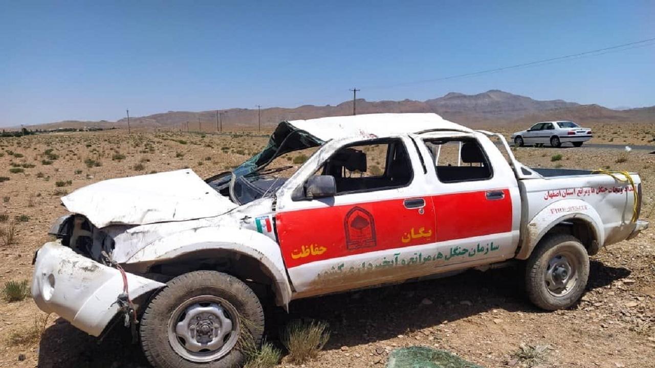 ۳ کشته و مجروح طی واژگونی خودرو در شاهینشهر بهجا ماند