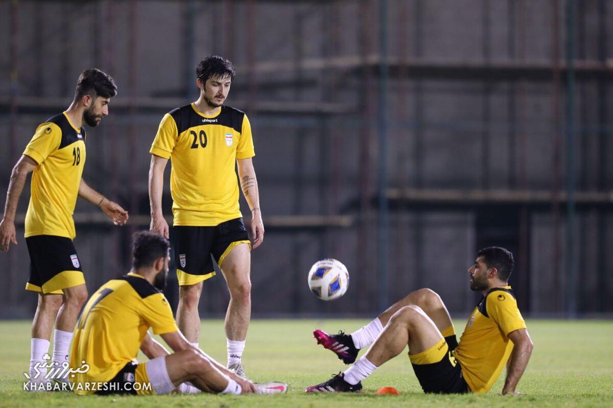 بحرینیها بازیکنان حریف ایران را زندانی کردند!