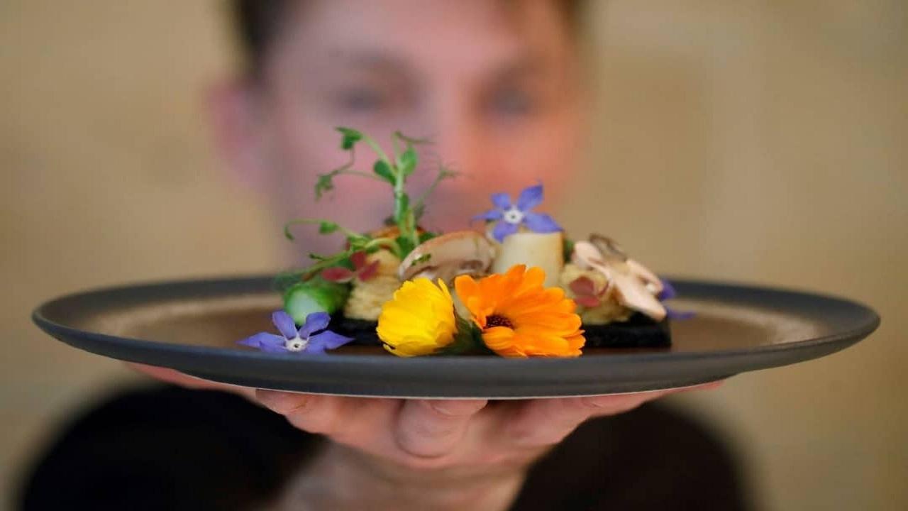 غذاهای تهوع آور و مشمئز کننده یک رستوران فرانسوی!
