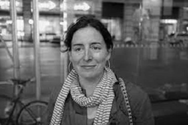گفتوگو با ایمی بندر، نویسنده سورئالیست/ به دنبال چیزی بروید که بیشترین جذابیت را برای شما دارد