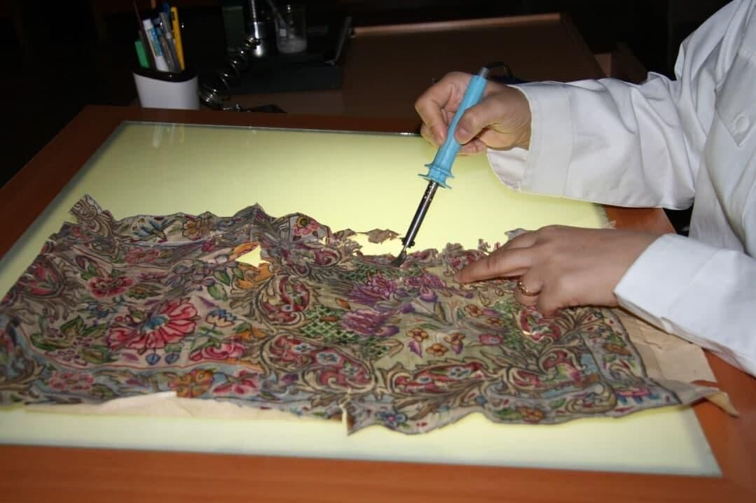 مرمت بیش از ۱۲۱ هزار برگ سند تاریخی و کتابهای نفیس