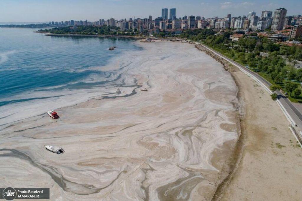 نمایی هوایی از بندری در ساحل استانبول
