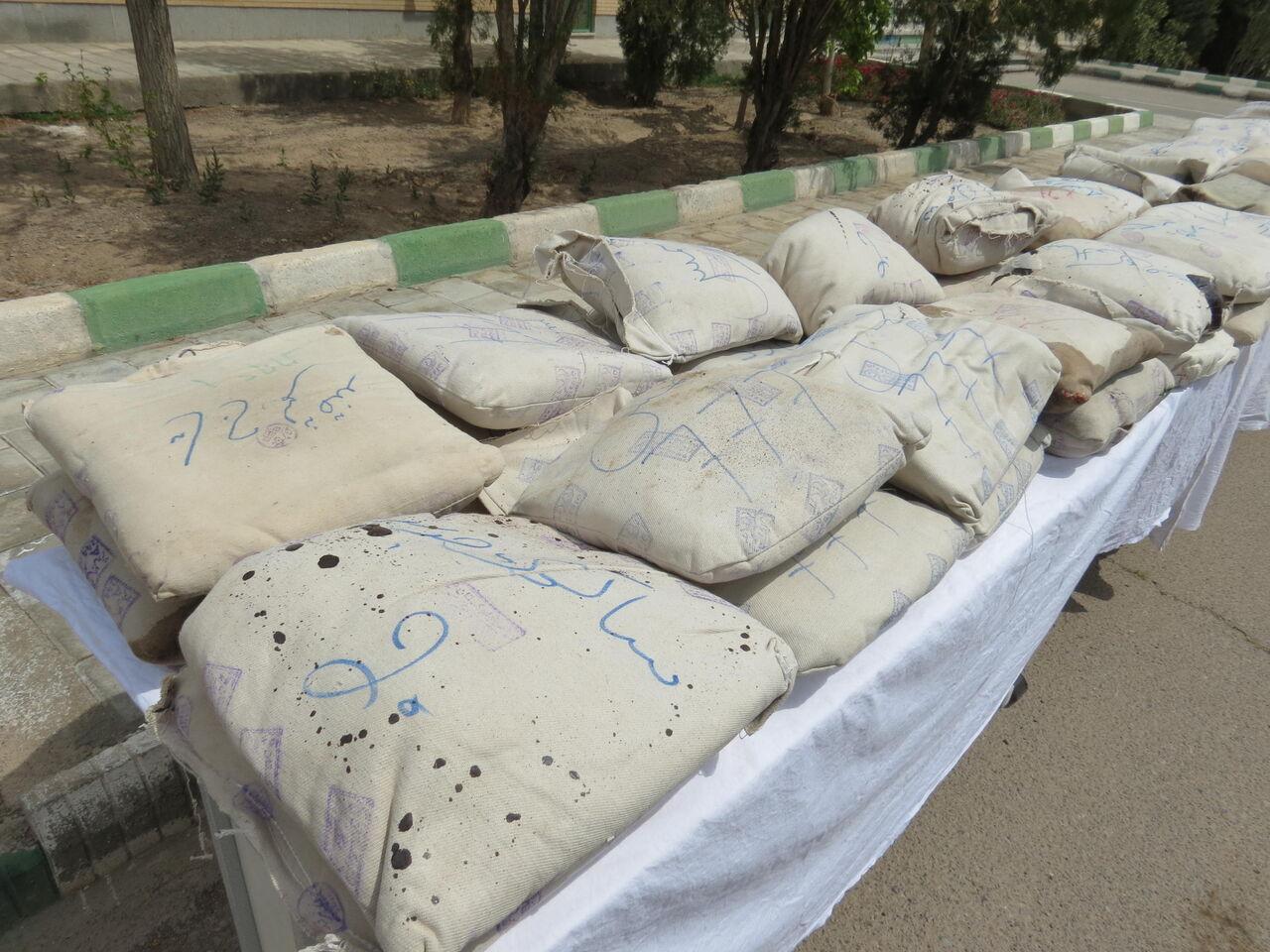 کشف ۶۱۴ کیلوگرم تریاک به همت پلیس استان سمنان