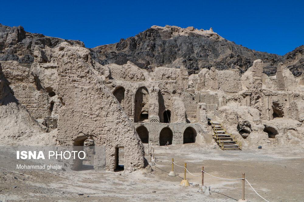کوه «خواجه» در پهنه بیکران سیستان
