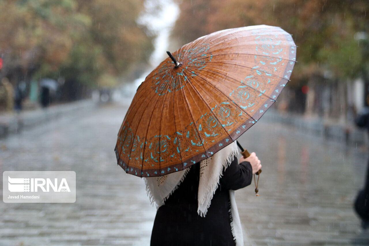 وزش باد شدید همراه با گردوخاک اصفهان را فرا میگیرد