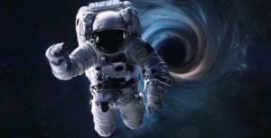 چه اتفاقی میافتد اگر درون یک سیاهچاله سقوط کنید؟